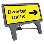 CuStack Diverted Traffic Right Sign - 1050 x 450mm